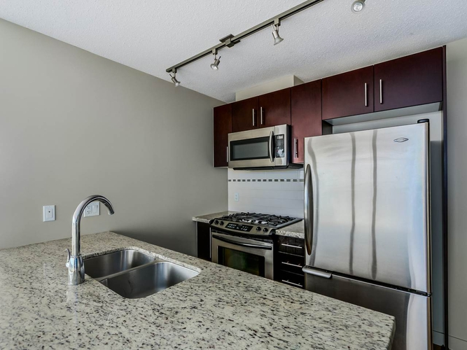 2 Bedrooms Apartment For Rent In Versante 8288 Lansdowne Road Richmond BC