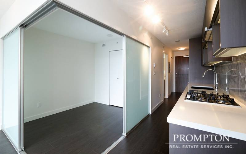 Studio Apartment for Rent in Park Avenue East, 13750 100th Avenue, Surrey, BC - 13