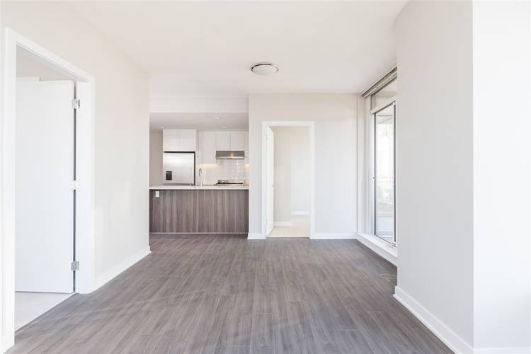 2 Bedrooms Apartment for Rent in Park, 4900 Lennox Lane, Burnaby, BC - 7
