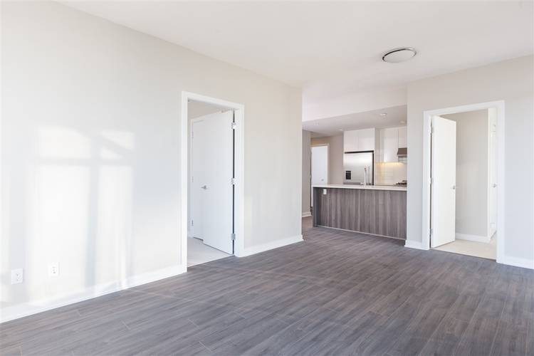 2 Bedrooms Apartment for Rent in Park, 4900 Lennox Lane, Burnaby, BC - 12