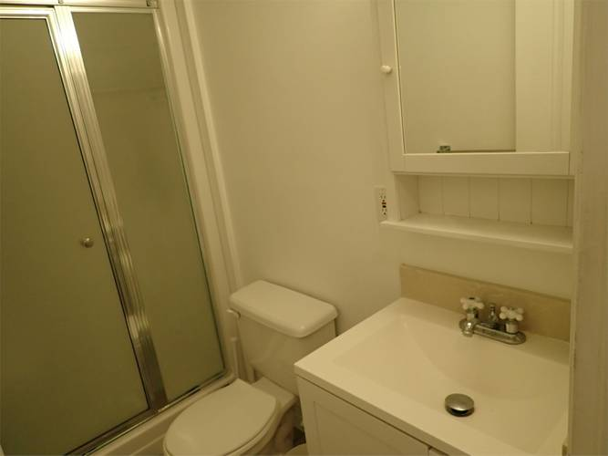 3 Bedrooms House for Rent in Bracknell Pl,  1262 Bracknell Pl, North Vancouver, BC - 8