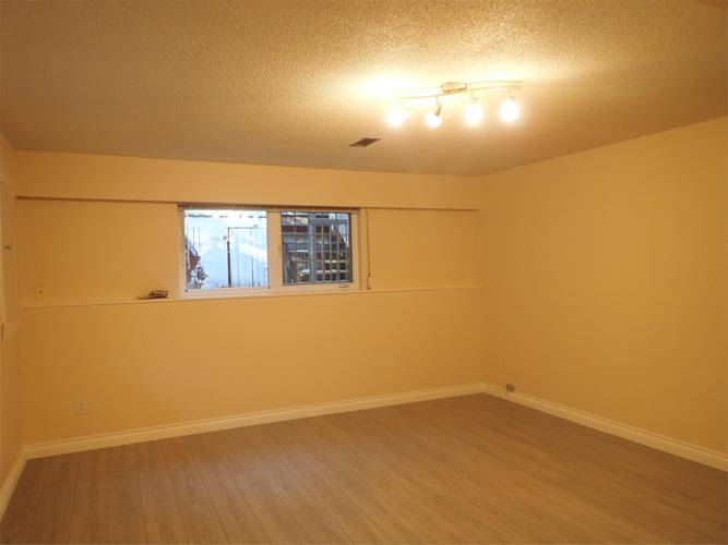 3 Bedrooms House for Rent in Bracknell Pl,  1262 Bracknell Pl, North Vancouver, BC - 14