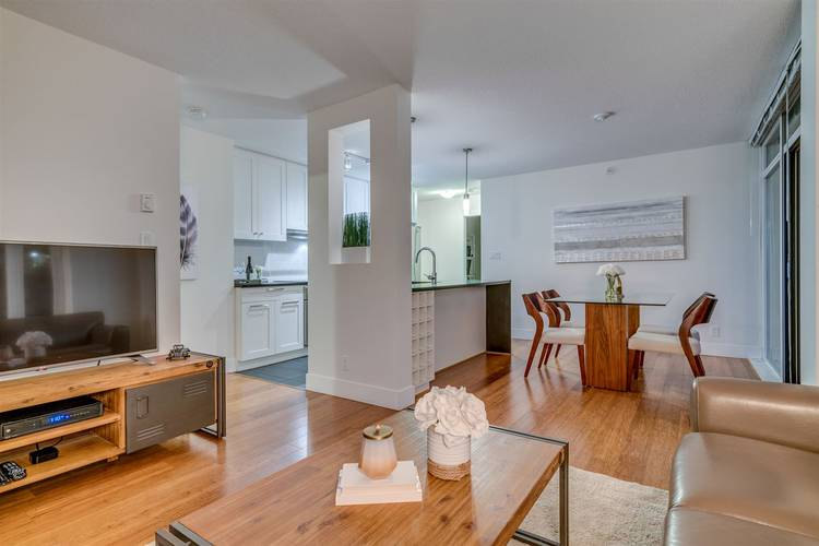 2 Bedrooms Apartment for Rent in The Beasley, 888 Homer Street, Vancouver, BC - 4
