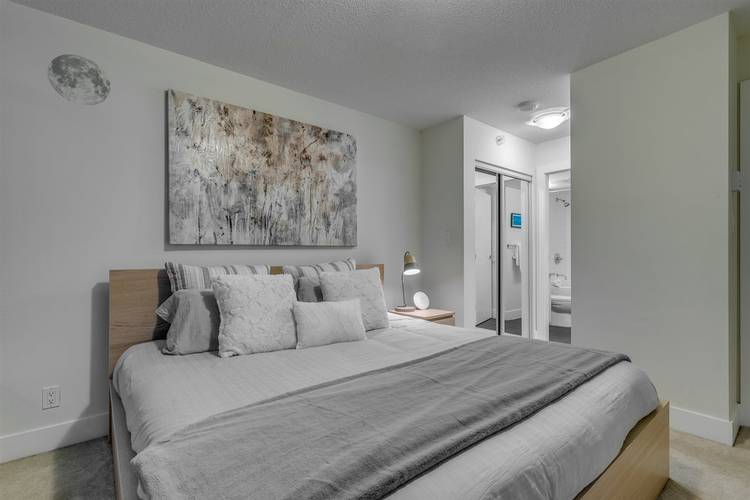 2 Bedrooms Apartment for Rent in The Beasley, 888 Homer Street, Vancouver, BC - 12