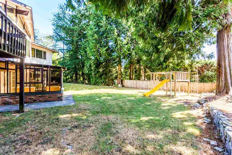 4 Bedrooms House for Rent in 1180 Chartwell Dr, West Vancouver, BC - 3