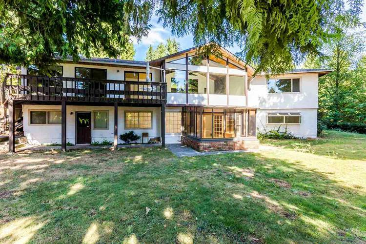 4 Bedrooms House for Rent in 1180 Chartwell Dr, West Vancouver, BC - 4