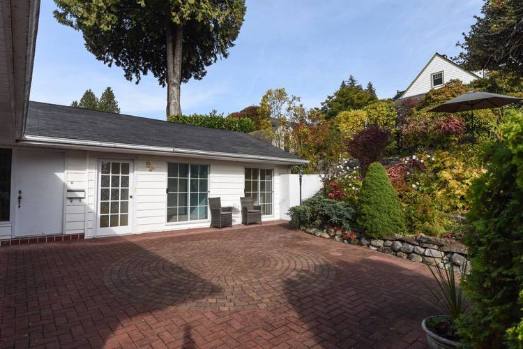 3 Bedrooms House for Rent in 824 11th St, West Vancouver, BC - 10