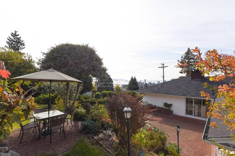 3 Bedrooms House for Rent in 824 11th St, West Vancouver, BC - 5