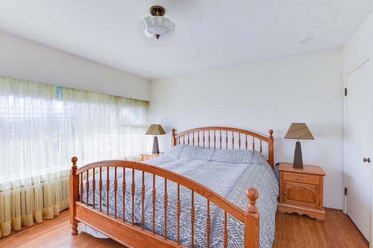 3 Bedrooms House for Rent in 824 11th St, West Vancouver, BC - 12
