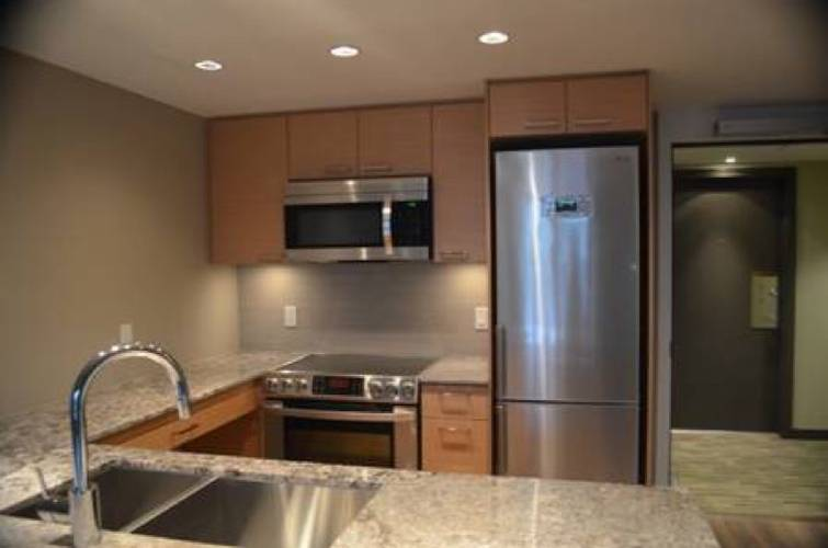 1 Bedroom Apartment for Rent in Local On Lonsdale, 135 17th Street W, North Vancouver, BC - 4