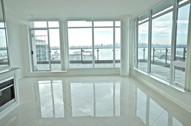 3 Bedrooms Apartment for Rent in Atrium At The Pier, 172 Victory Ship Way, North Vancouver, BC - 1
