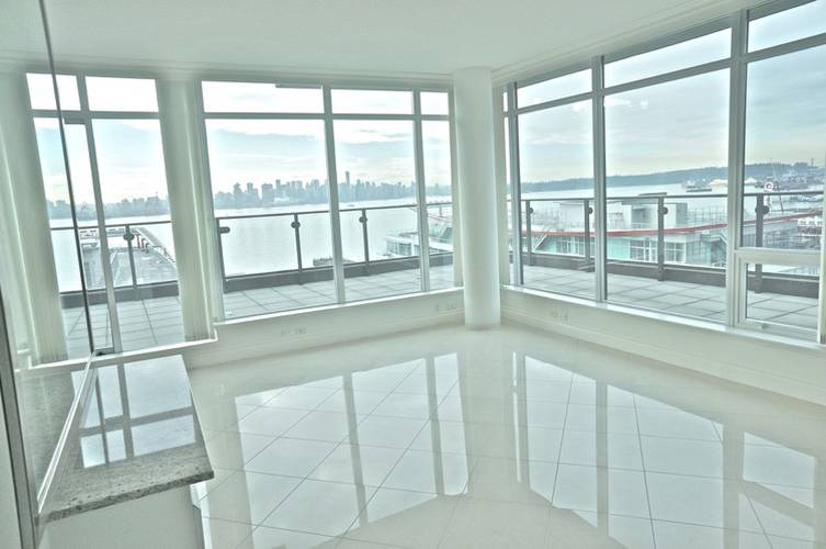 3 Bedrooms Apartment for Rent in Atrium At The Pier, 172 Victory Ship Way, North Vancouver, BC - 2