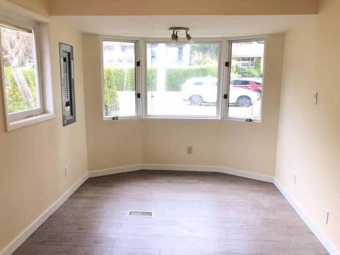 4 Bedrooms House for Rent in  Montroyal Blvd and Marineview Cr, North Vancouver, BC - 1